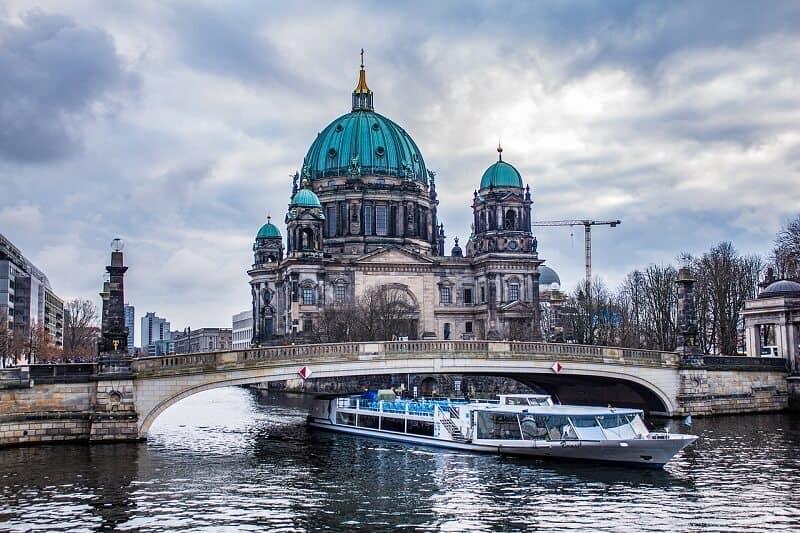 ברלין עם ילדים - ברלין נהר SKY