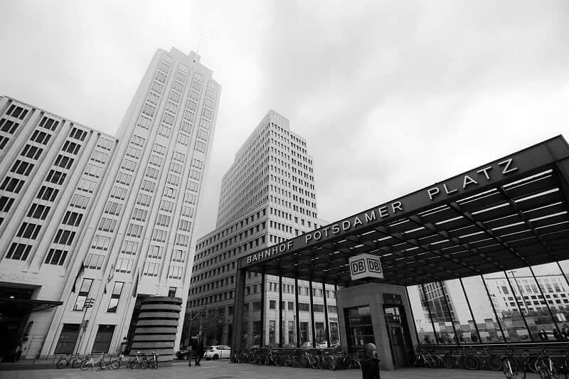 מקומות מומלצים בברלין אתרים בברלין - כיכר פוטסדאם